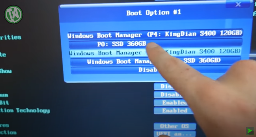 Pelo BIOS você pode verificar duas unidades com Windows para iniciar
