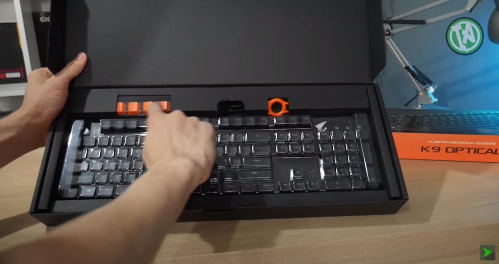 Unboxing do teclado AORUS